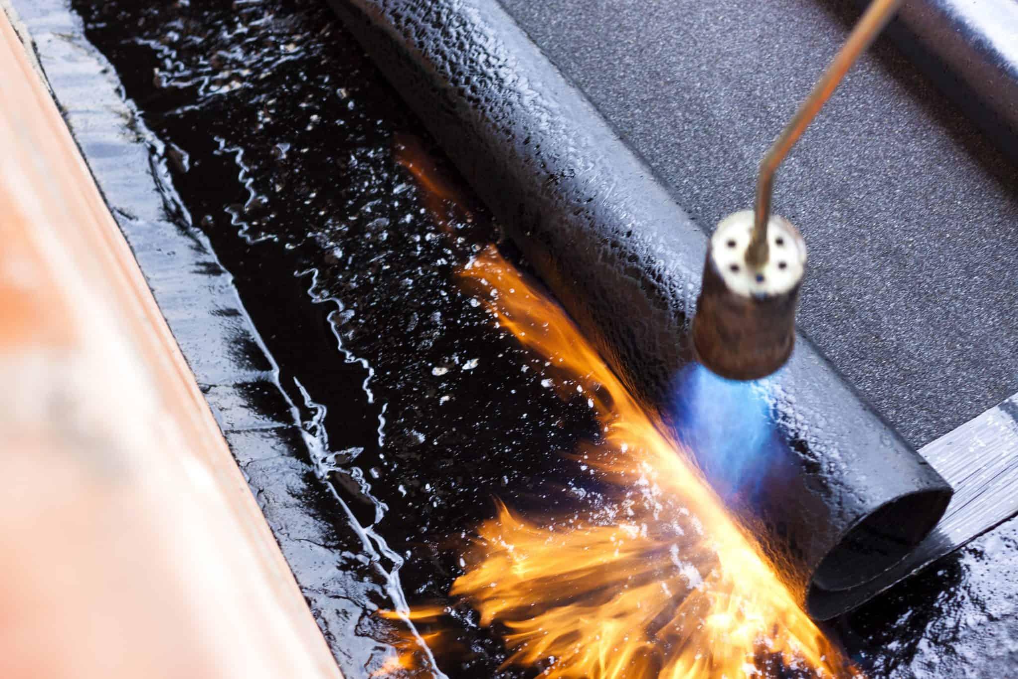 תיקון מערכת איטום לא תקינה בגג